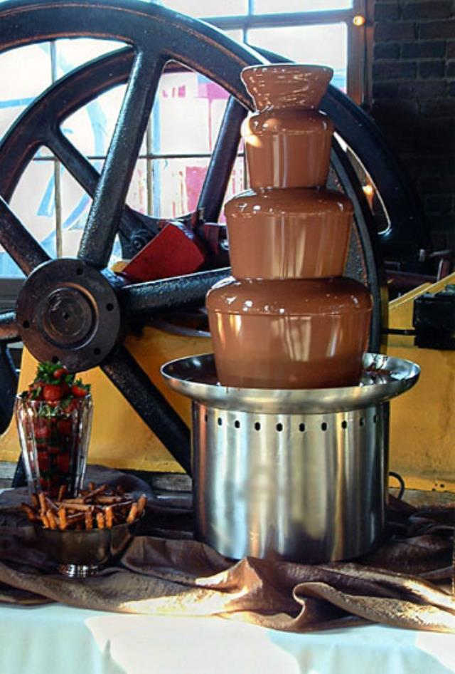 Where to find Chocolate Fountain in St. Louis